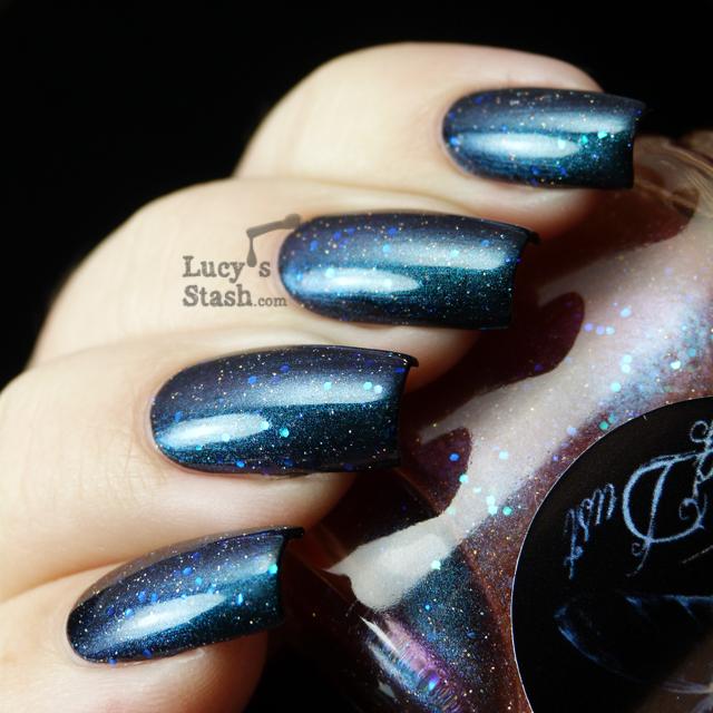 Lucy's Stash - WingDust Aurora Sky