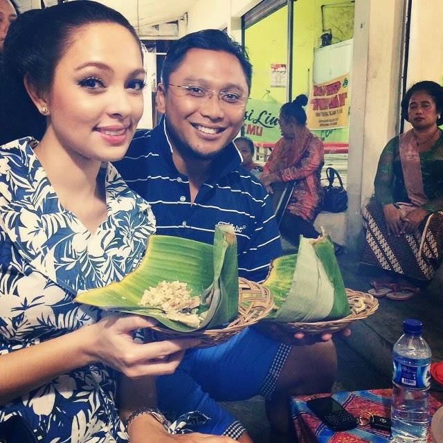 foto dr. Reisa Bersama Suami