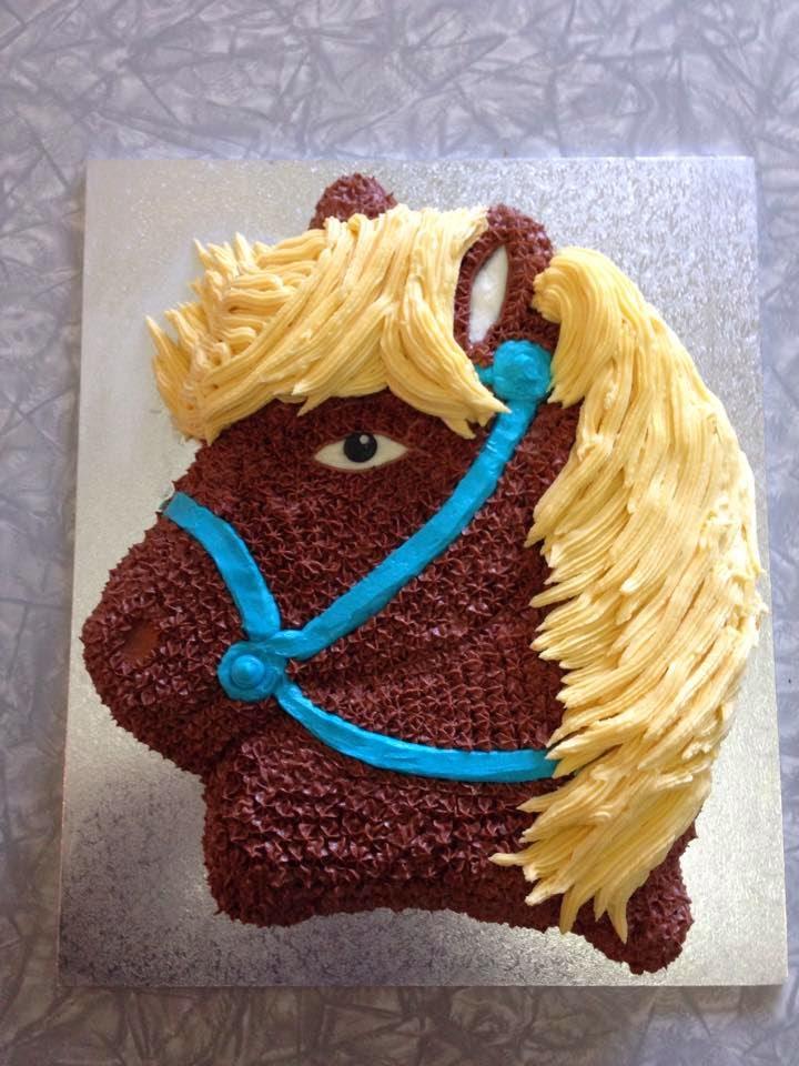 Kiwi Cakes Horse cake with party pony cake pan