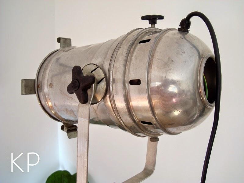 lampara de pie vintage con tripode