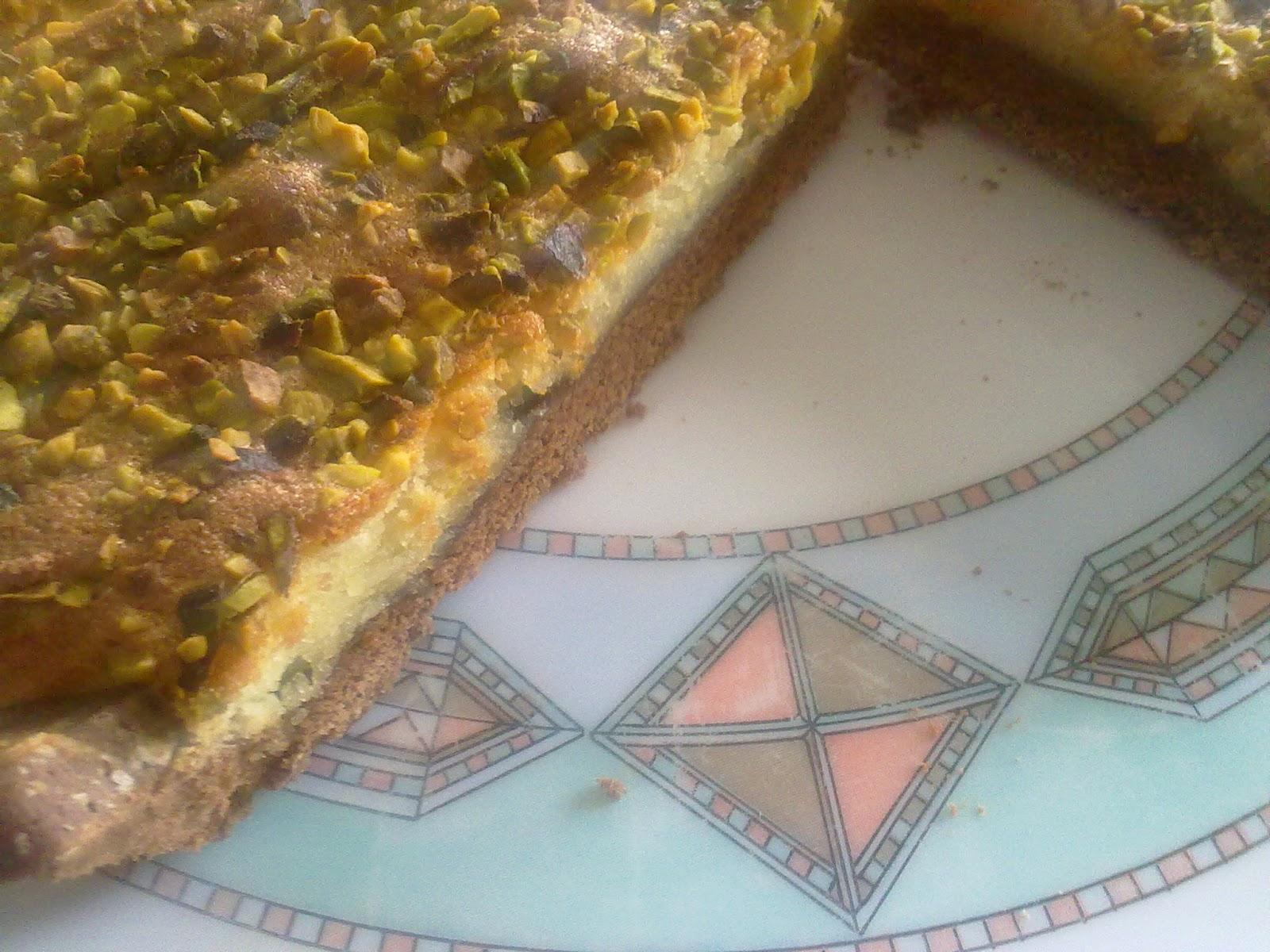 crostata al cioccolato con crema di mandorle e pistacchi