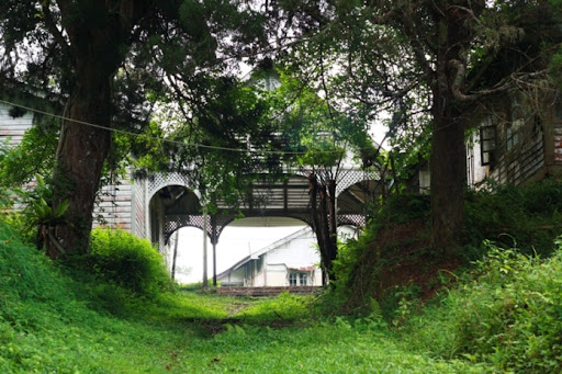 entrance to crag hotel and uplands school on penang hill