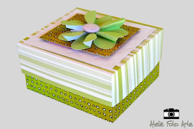 Caixa de scrapbook para lembrançinha