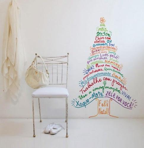 Inspirações de árvores de natal para decorar sua casa pro natal gastando pouco
