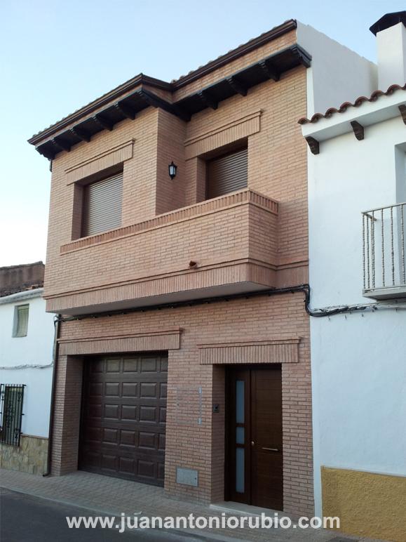 Juan antonio rubio arquitecto casa entre medianeras - Ladrillo visto rustico ...