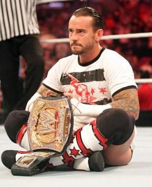 Altos funcionarios de WWE estan considerando seriamente la idea de