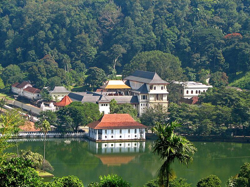 Temple Of The Tooth Sri Dalada Maligawa Srilanka Beautiful Places