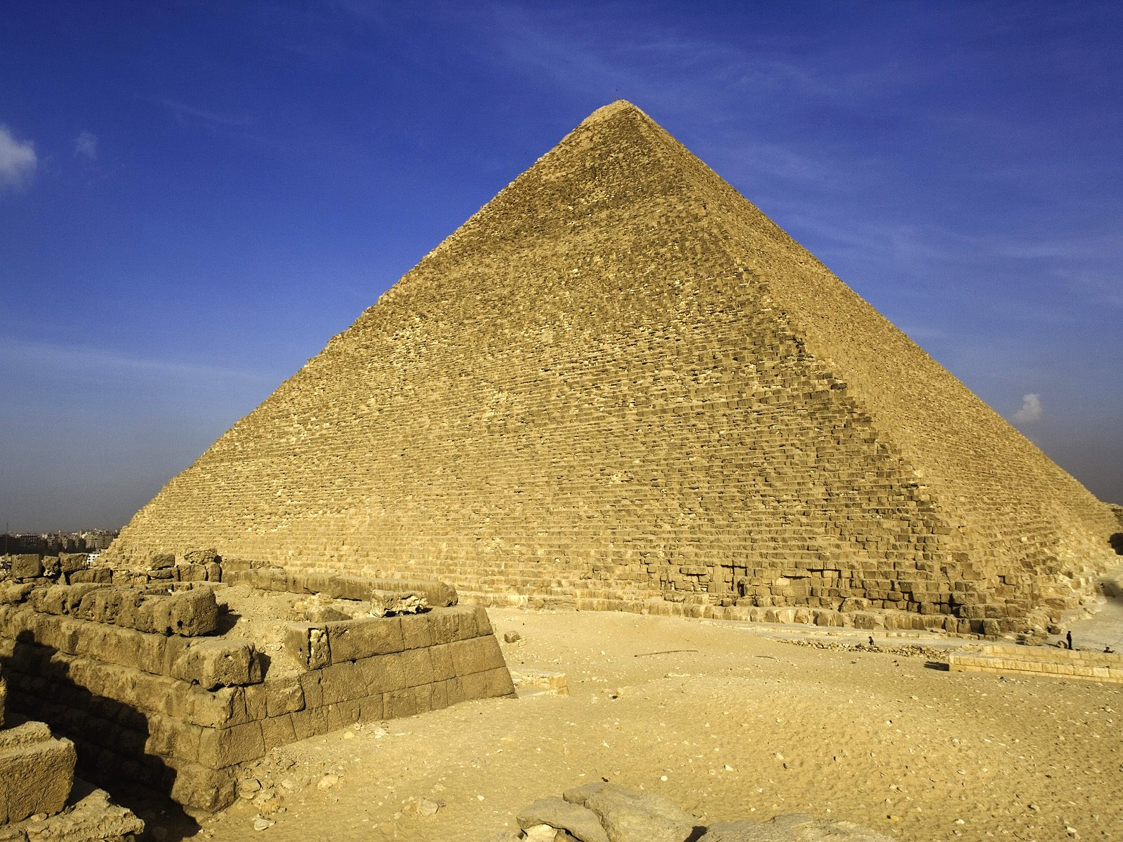egypt the pyramids Most people just know the egyptian pyramids are big, impressive structures built very long time ago in the ancient egypt it is also generally known that the pyramids served as monumental burial sites where the pharaohs, the ancient egyptian kings, were buried.