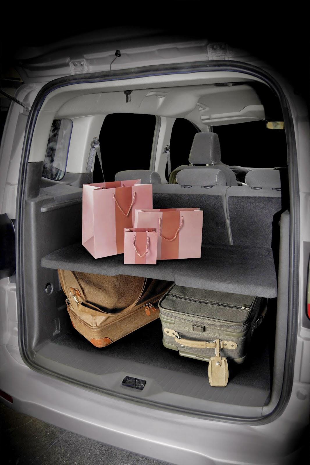 les petites m ceux qui cherchent une voiture familiale raisonnable essai du ford tourneo courier. Black Bedroom Furniture Sets. Home Design Ideas