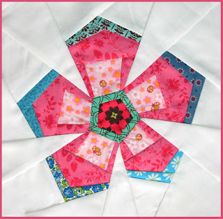 Quilt Patterns With Y Seams : Bubblestitch Quilts: Spring Fling Blog Hop... and Y seams!
