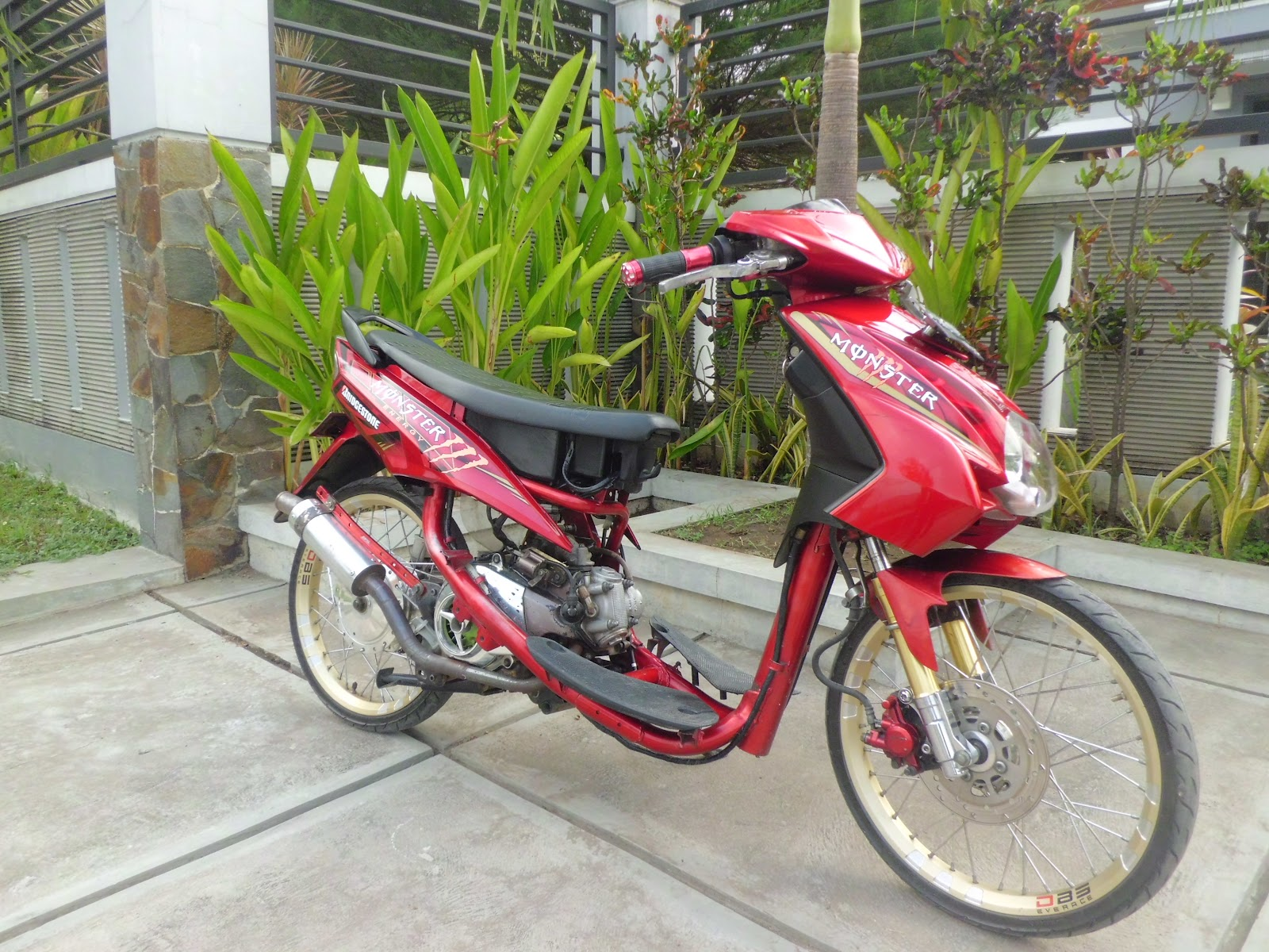 ide modifikasi mio racing look