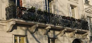 Balcon du 28 quai de Béthune à Paris