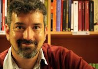 escritor, santiago, Roncagliolo, barba, sonrisa