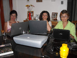 Madre e hijas compartiendo