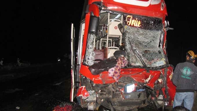 Ninh Thuận: Tai nạn kinh hoàng làm hàng chục người thương vong