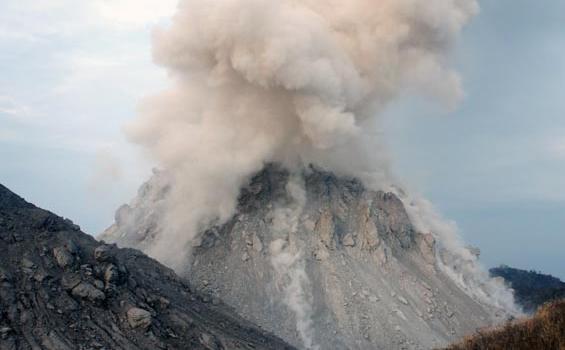 Lagi, Gunung Rokatenda NTT Meletus