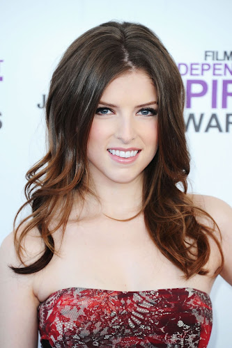 Pictures of Anna Kendrick at the 2012 Film Independent Spirit Awards in Santa Monica