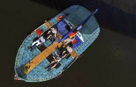 14-students_build_boat.jpg