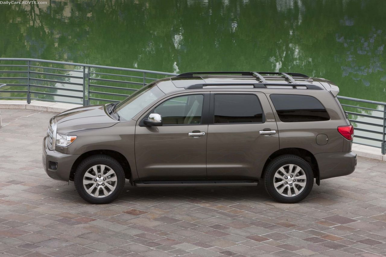 daily cars 2013 toyota sequoia 381 hp v8 now standard on all models. Black Bedroom Furniture Sets. Home Design Ideas