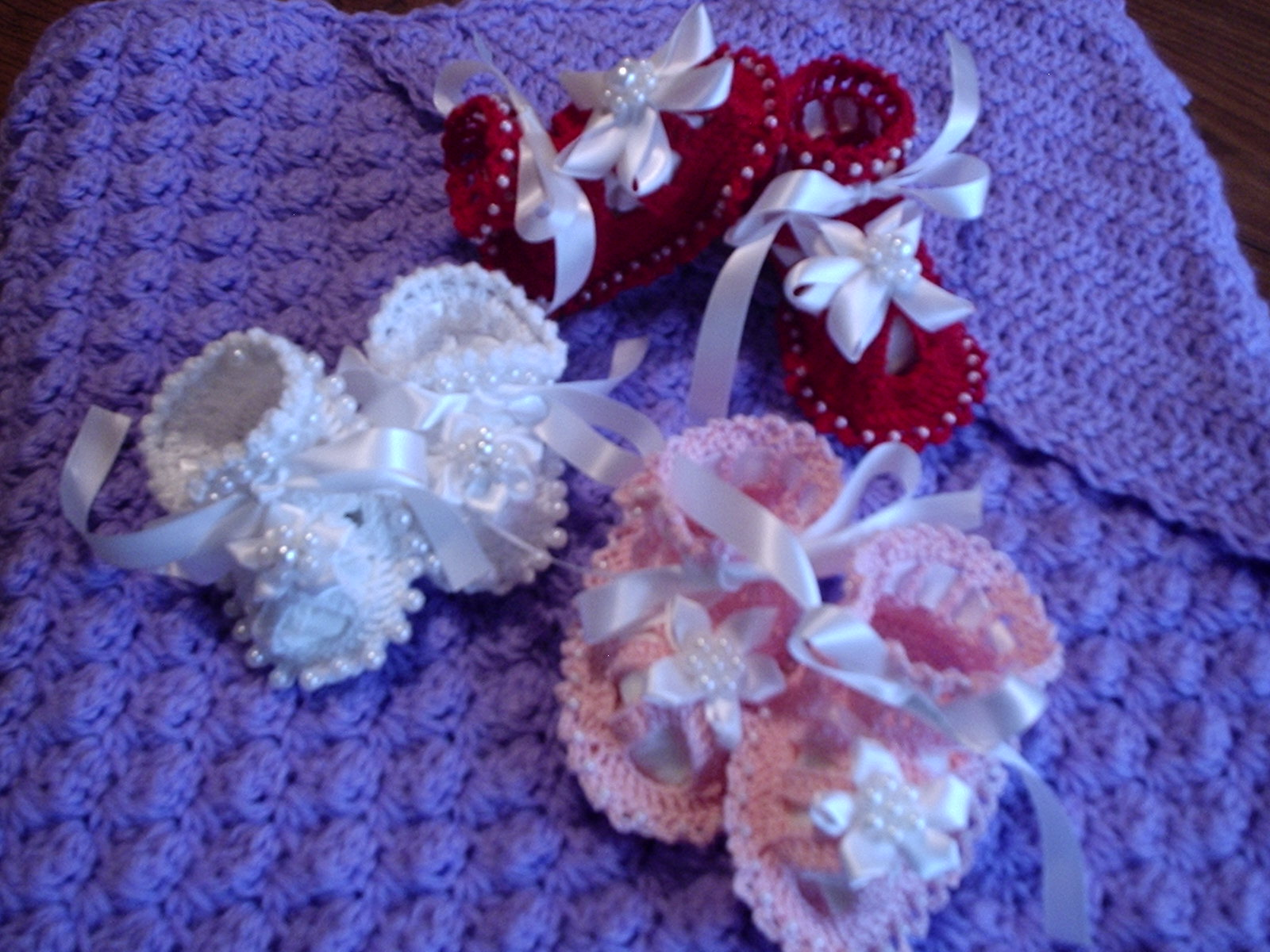 Free Crochet Pattern Baby Boy Vest : Kellys Gifts: Beaded Baby Sandals Booties with Crochet ...