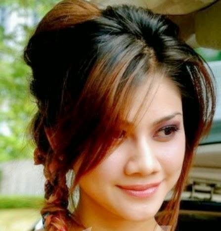 8 Gambar Cantik Benor Cik Khaleeda Bustamam bakal isteri TMJ