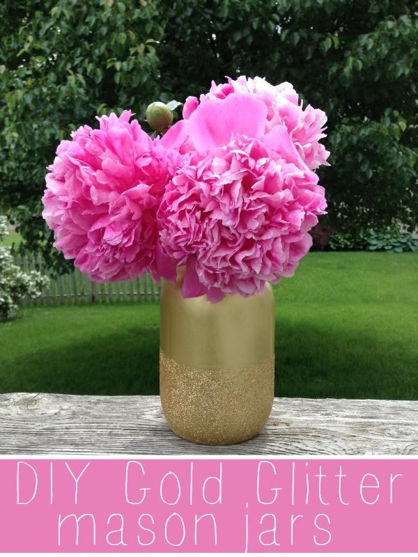 http://www.framedfrosting.com/2013/06/diy-gold-glitter-mason-jars.html