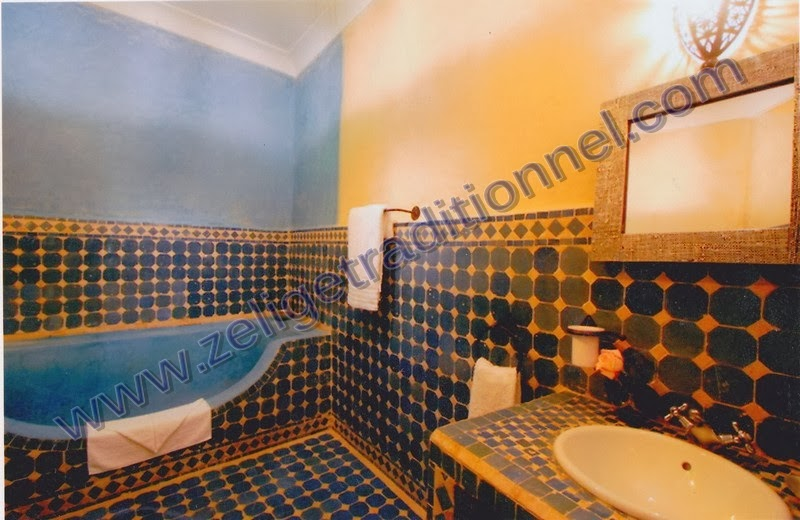 Salle De Bain Marocaine Zellige  sal de bain avec de zellige 5 x 5 cm
