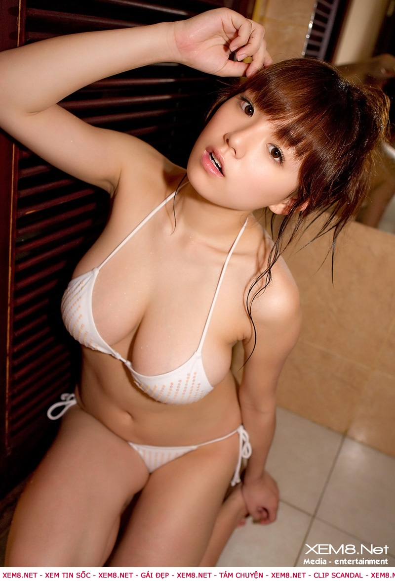 Shinozaki khoe hang