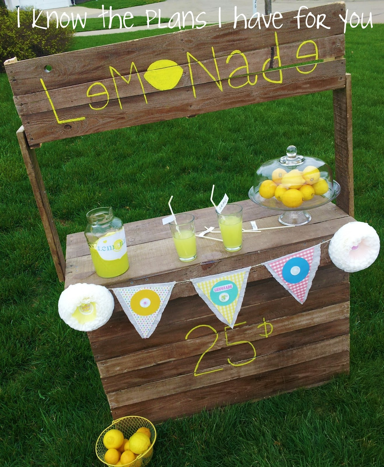 Lemonade Stand Designs : I know the plans have for you round pallet lemonade