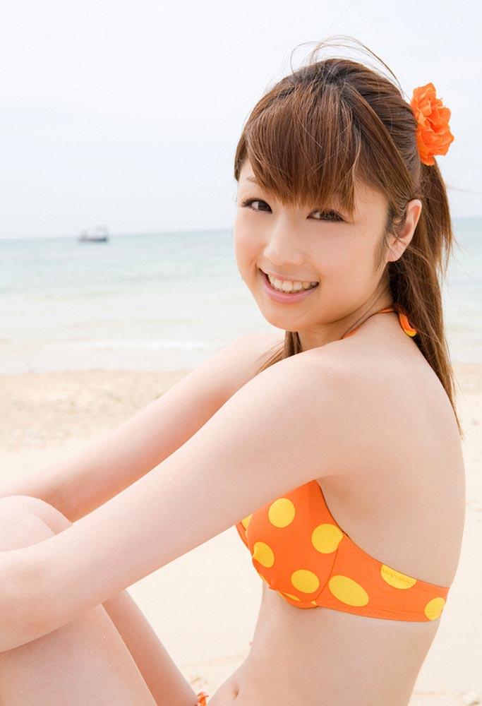 yuko ogura sexy polka dots bikini photos 02