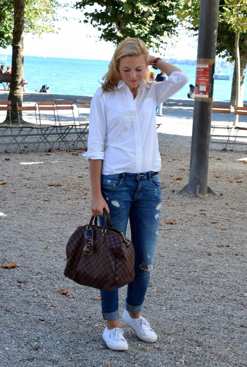 seeperlen casual classics weisse bluse boyfriend jeans. Black Bedroom Furniture Sets. Home Design Ideas