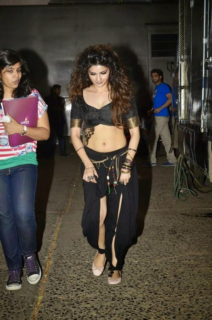 Prachi Desai Sexy Cleavage Photos