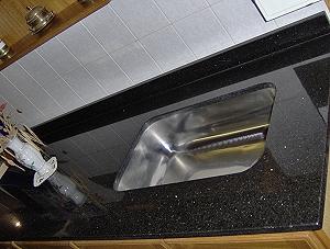 Amobla tu cocina marmoleria for Marmol negro para cocina