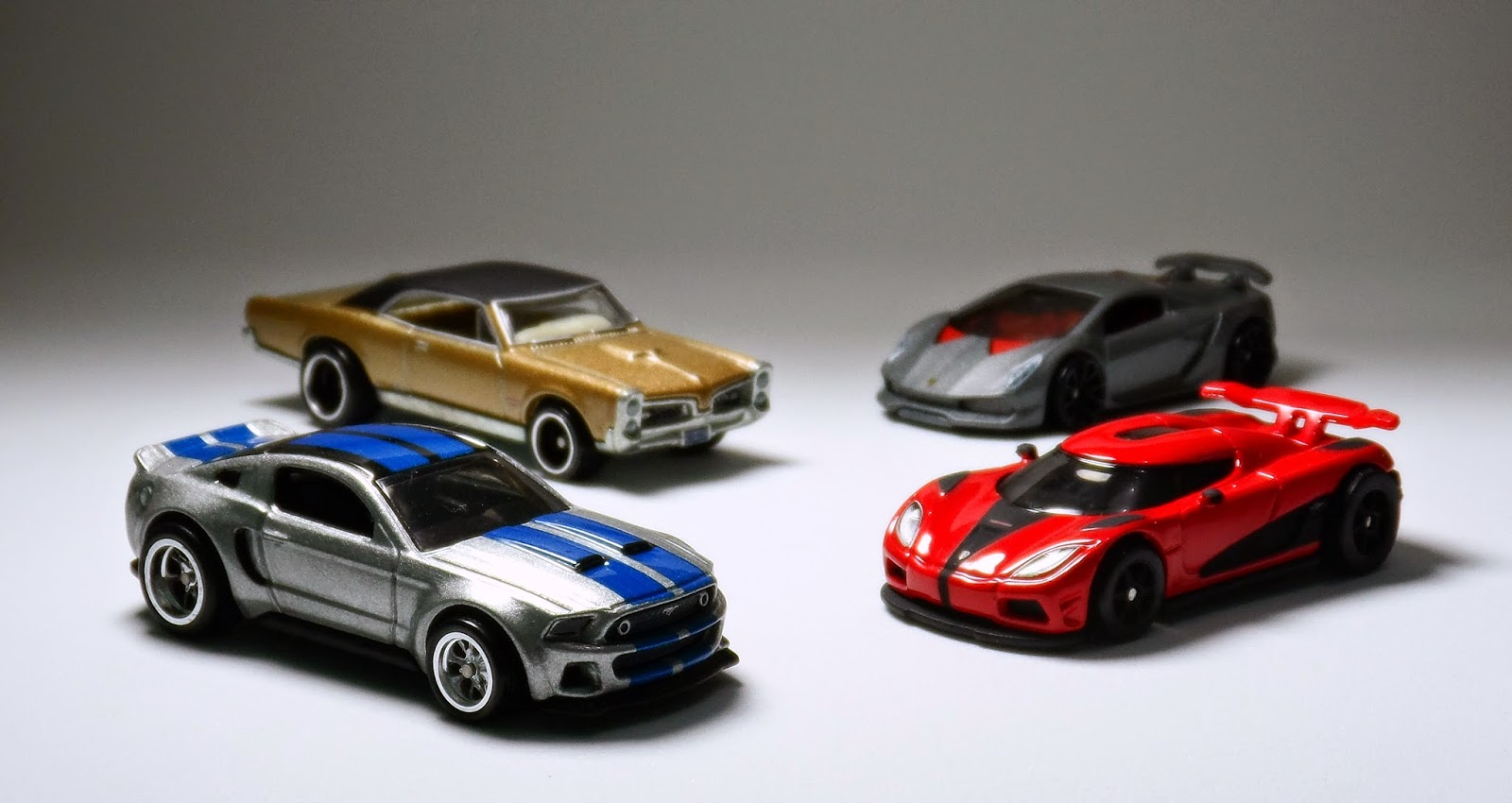 Filme Do Hot Wheels in especial filmes: 2014 ford mustang gt (need for speed)