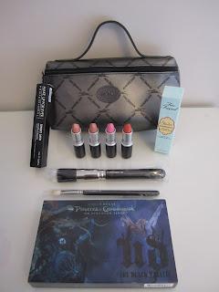 http://chroniquedunemakeupaddict.blogspot.com/2012/01/mes-soldes-de-janvier-2012.html