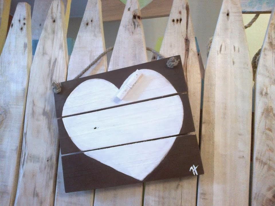 drewniana zawieszka handmade  na zdjecia z palet  i desek Odpadak