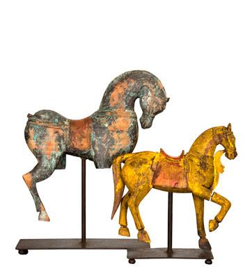 Antikviteter kombinert med ikonmøbler og moderne kunst
