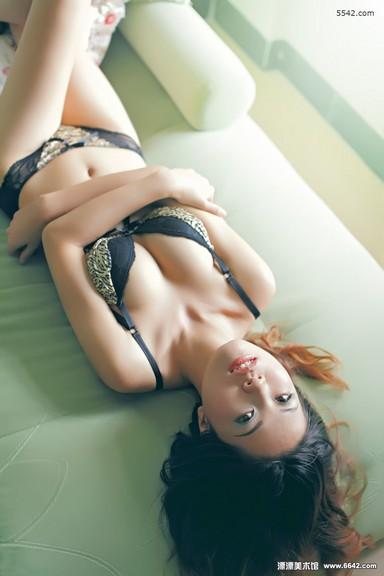 Ngất Ngây với người mẫu bikini 9x
