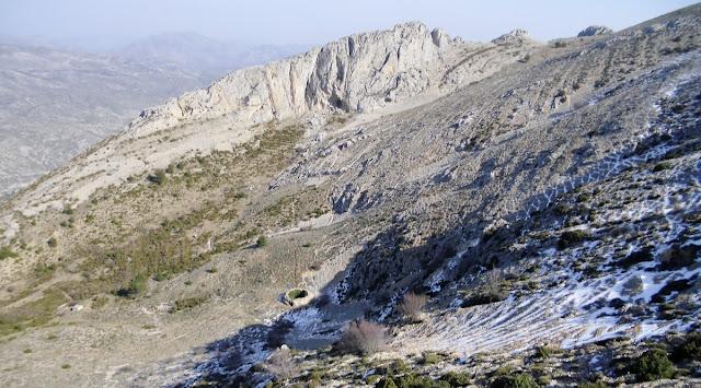 Clot del Noguer, nevera de la Font de Famorca, Serrella