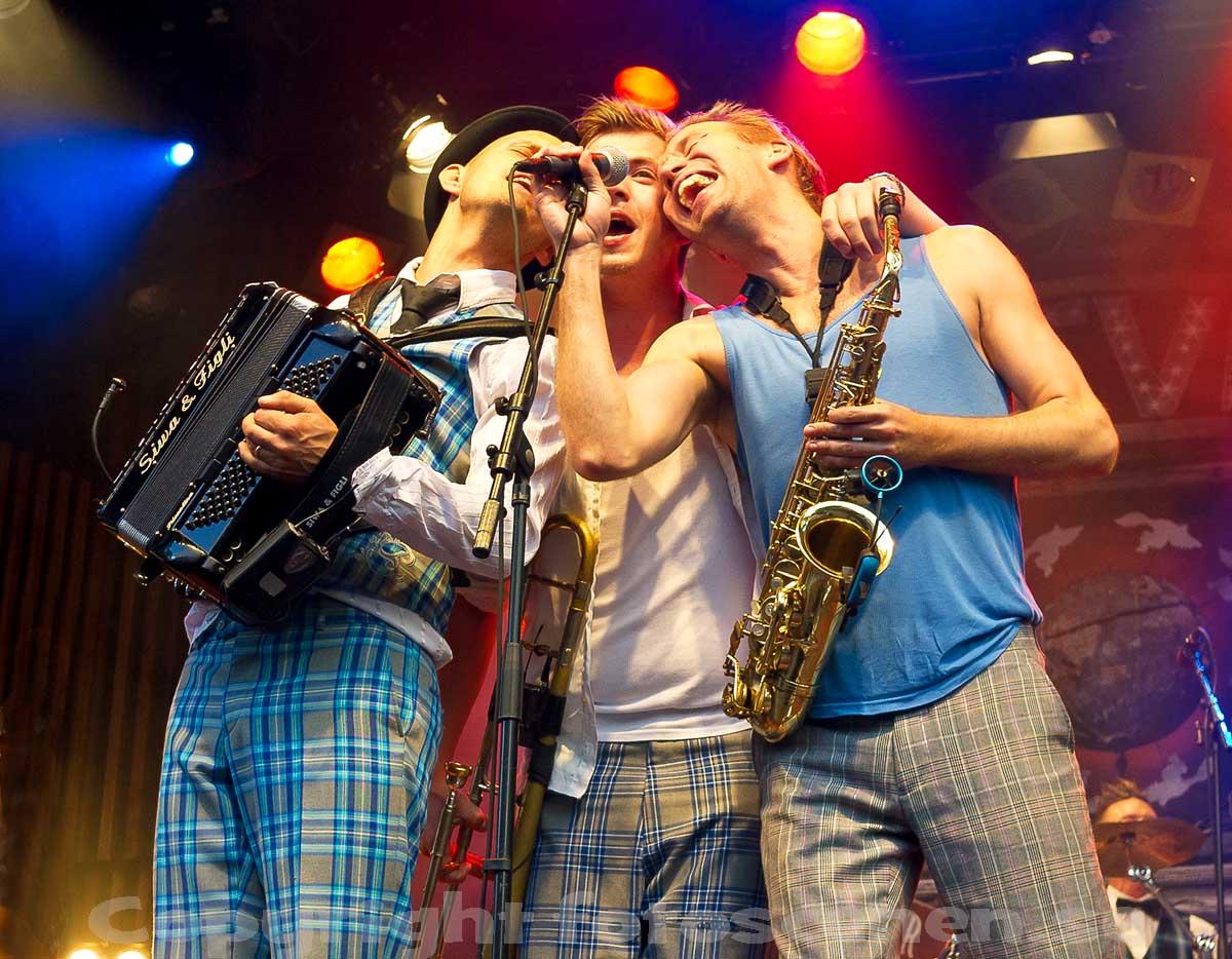 http://1.bp.blogspot.com/-k51YDnRbCOg/UEBaLkiKEgI/AAAAAAAAKZY/Bq_DreoSmB0/s1600/R%C3%A4fven,+Liseberg+2012+01.jpg