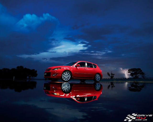 Mazda 3 hatchback picture