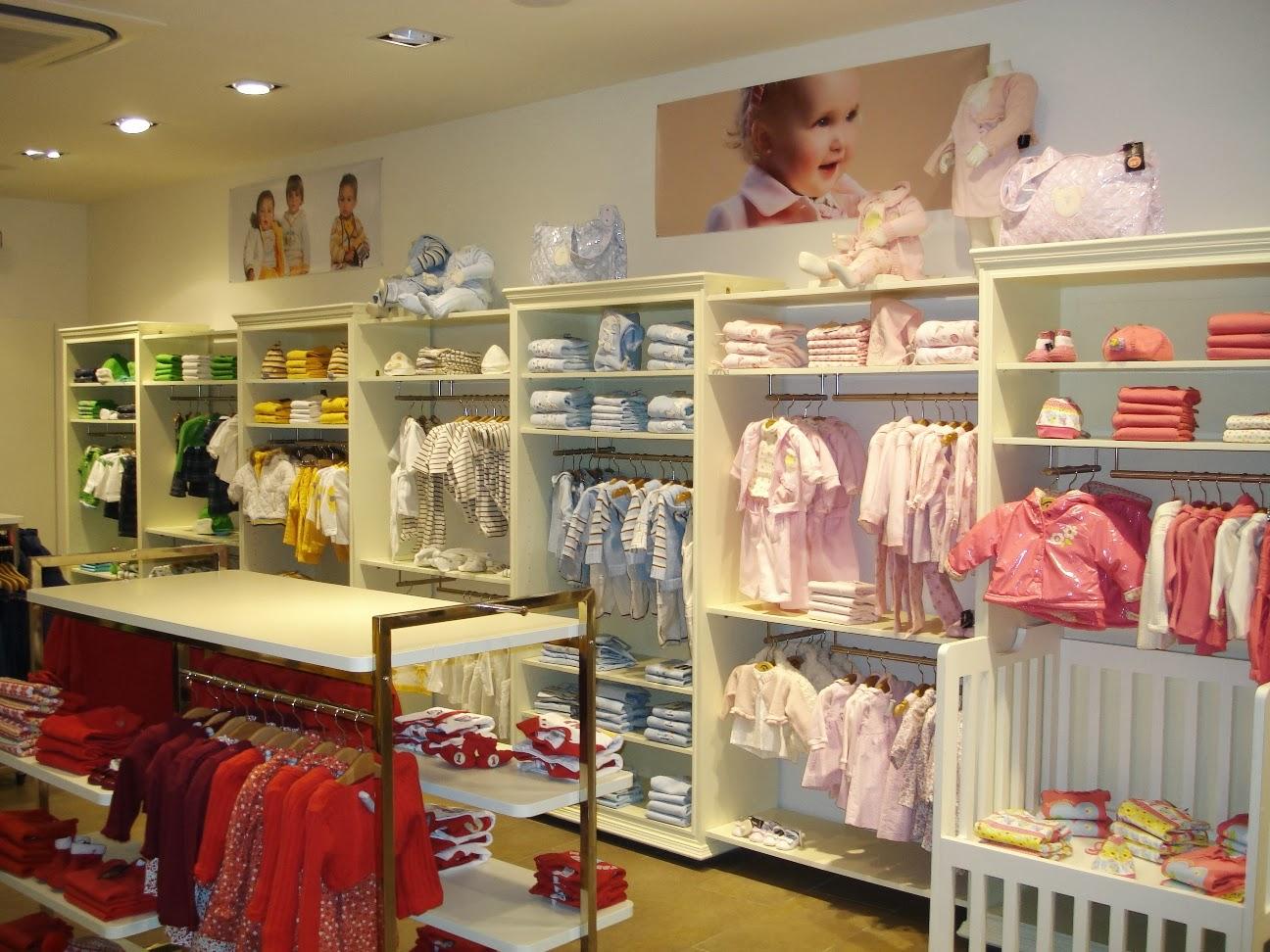 Caminando entre sonrisas trabajar en una tienda de ropa for Un boutique
