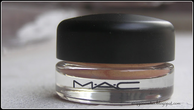 MAC Cosmetics, Rubenesque Paint-Pot Packaging photo