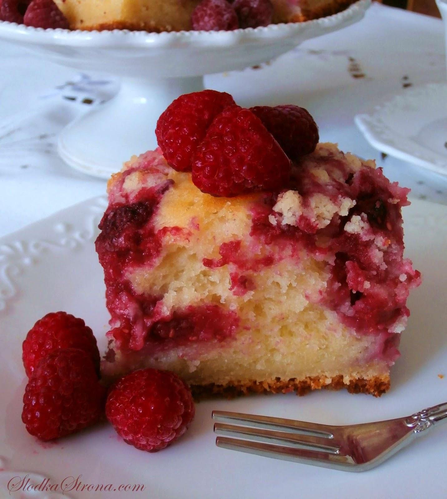Ciasto Jogurtowe z Kruszonką i Owocami - Przepis - Słodka Strona