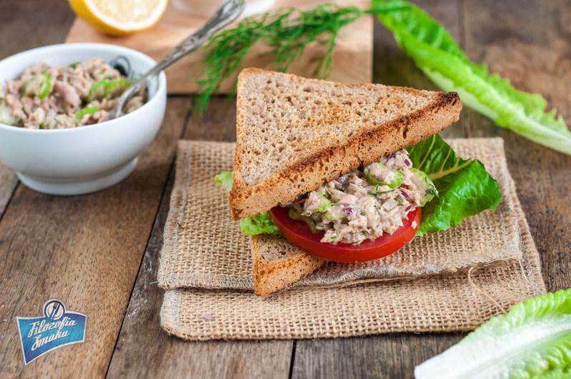 Ekspresowy sandwich z tuńczykiem
