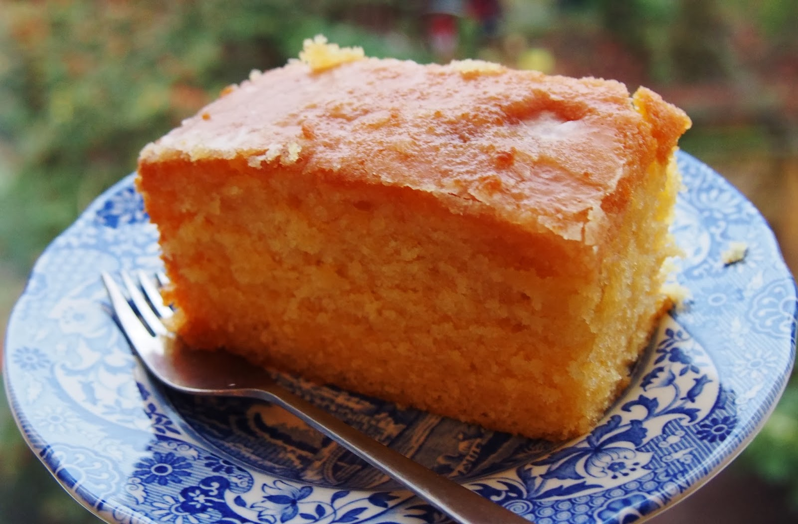 how to make the drizzle for lemon drizzle cake