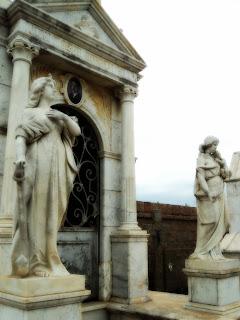 Cemitério de São Gabriel: Jazigo da Família de Gabriel Rodrigues.