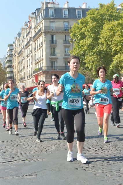 la parisienne 2014 edition paris france eiffel tower race running