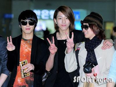 FT Island e CNBLUE juntos no aeroporto de Incheon 20110311_ftisland_cnblue_3