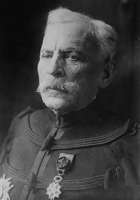 Gli albanesi sono di origine pelasgica . Si dice che loro siano una delle razze più belle e più coraggiose - Generale Gustave NIOX